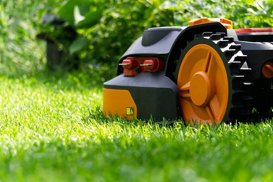 6 Best Robotic Lawn Mowers For Home